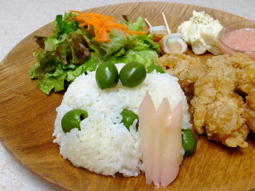 オリーチェごはん(例:新生姜唐揚げプレート)