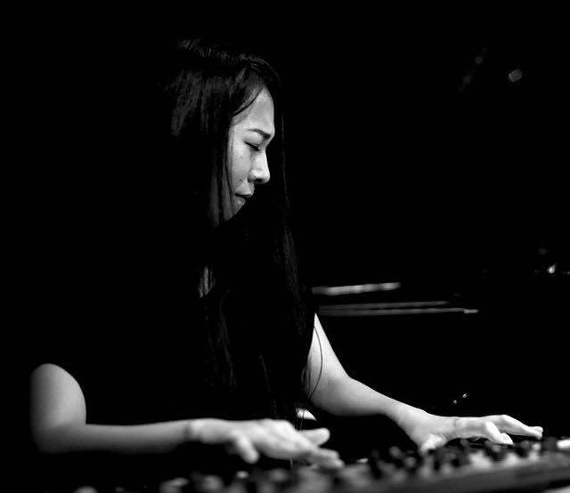 大和田千弘(ピアノ,キーボード)