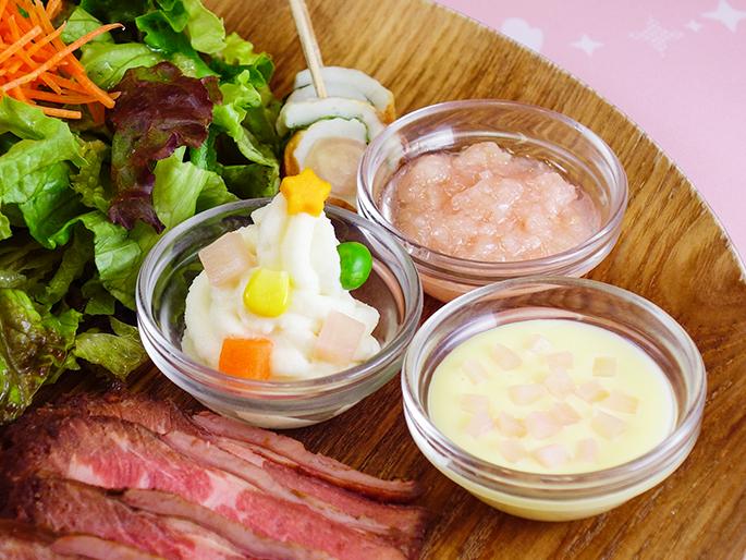 画像:岩下の新生姜ポテサラツリー、岩下の新生姜入りチーズソース、ピンクの岩下の新生姜ソース